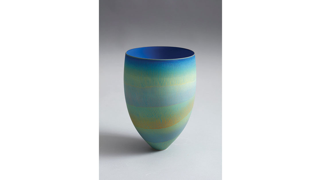 Serpentine Falls, 2021, porcelain vessel incised with coloured glazes, photographed by Rob Frith of Acorn Photography, courtesy Linton & Kay Galleries